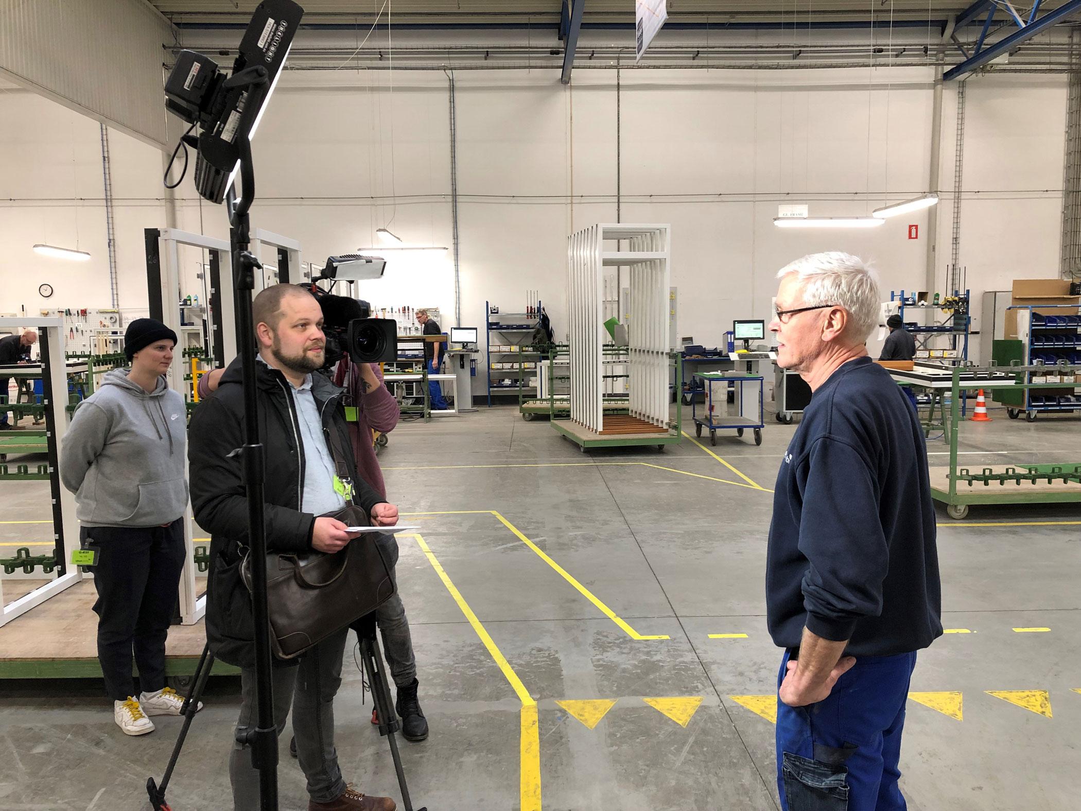 Besøg fra DR på fabrikken i Hurup - Interview