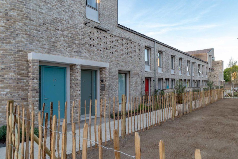 Goldsmith Street med Idealcombi vinduer og facadedøre - Passivhus