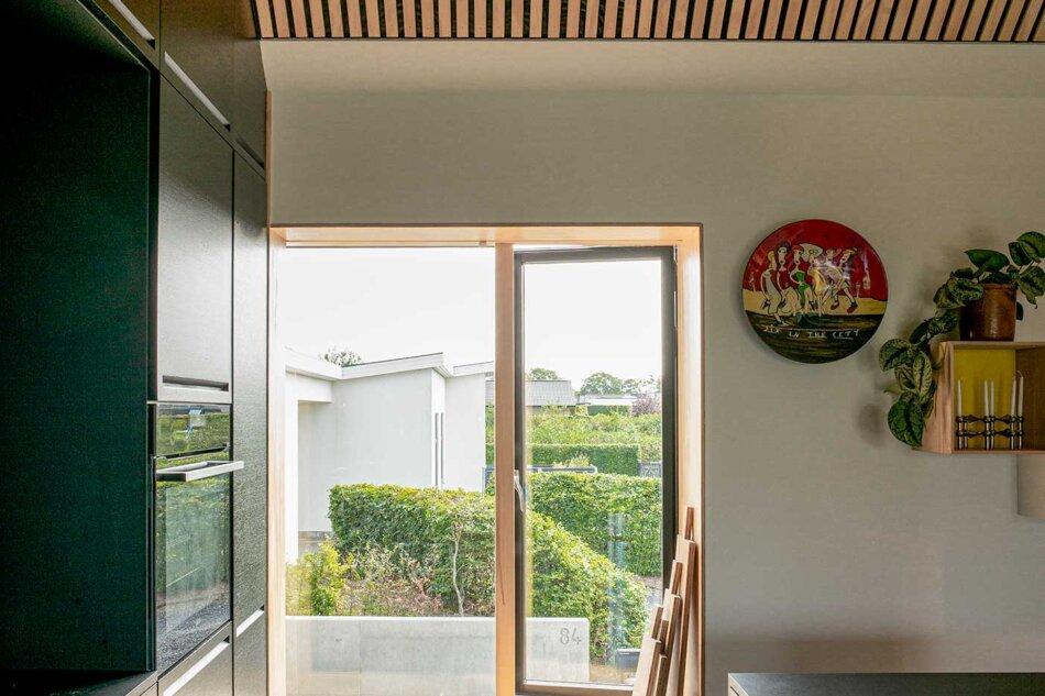 Villa Hyrsting med Nation IC Facadedør med stort fast glasparti